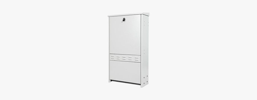 Outdoor street distribution cabinets